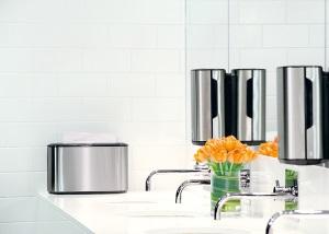 Wyposażenie firm sprzątających - przykład toalety