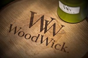 Świece zapachowe marki WoodWick